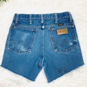 #215 Wrangler High Waisted Jean Shorts 26